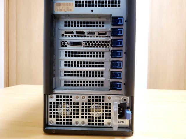 外付けビデオカードのインターフェースは、DVI x1、HDMI x1、DPx3。