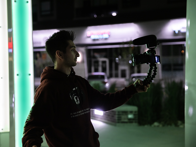 日常生活を動画として記録するVloggerたちが増えている