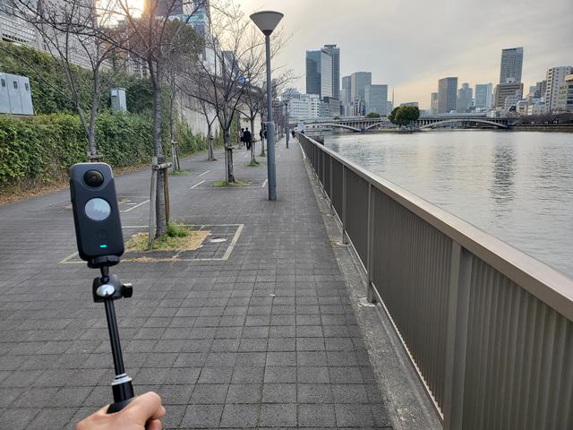 お散歩撮りで短時間を撮る分には、1日でも持ちそうな印象