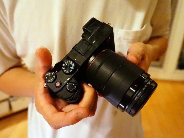 SONYのコンパクトフルサイズカメラ α7C