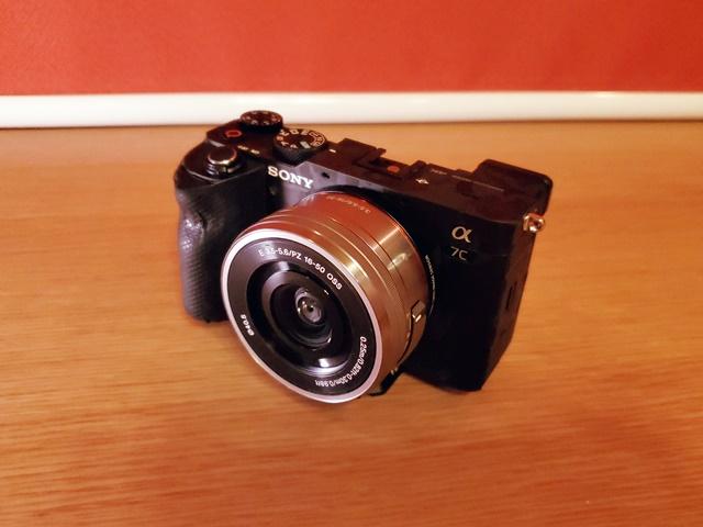 フルサイズカメラにAPSCレンズを取り付けることは可能